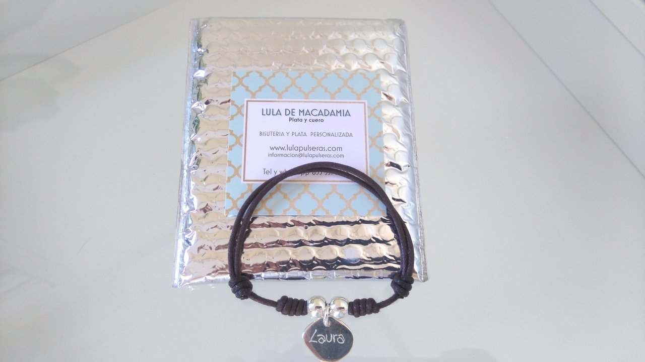 SILVER BRACELET WITH ONE MEDAL  001