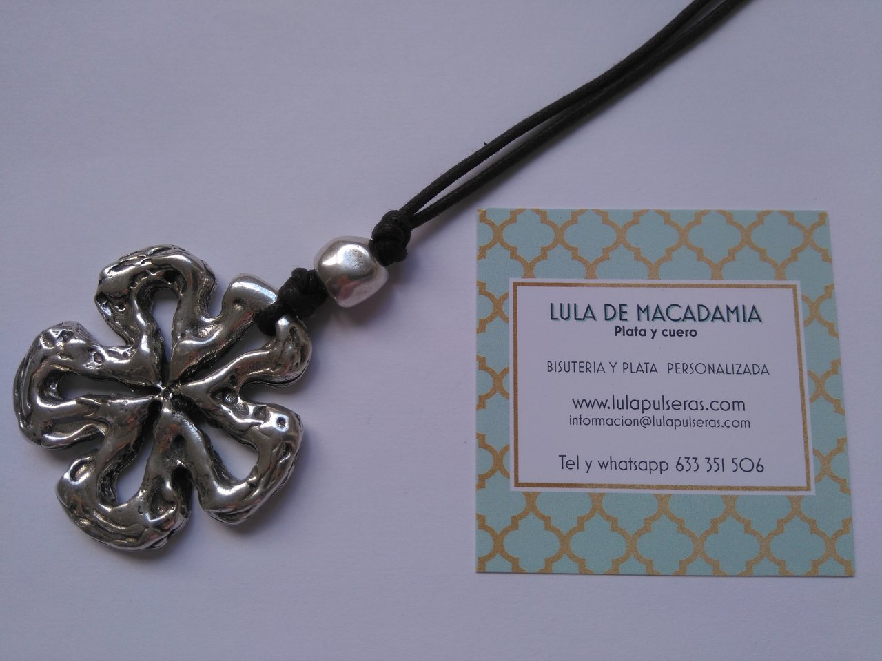 LONG NECKLACE OF ZAMAK`S FLOWER